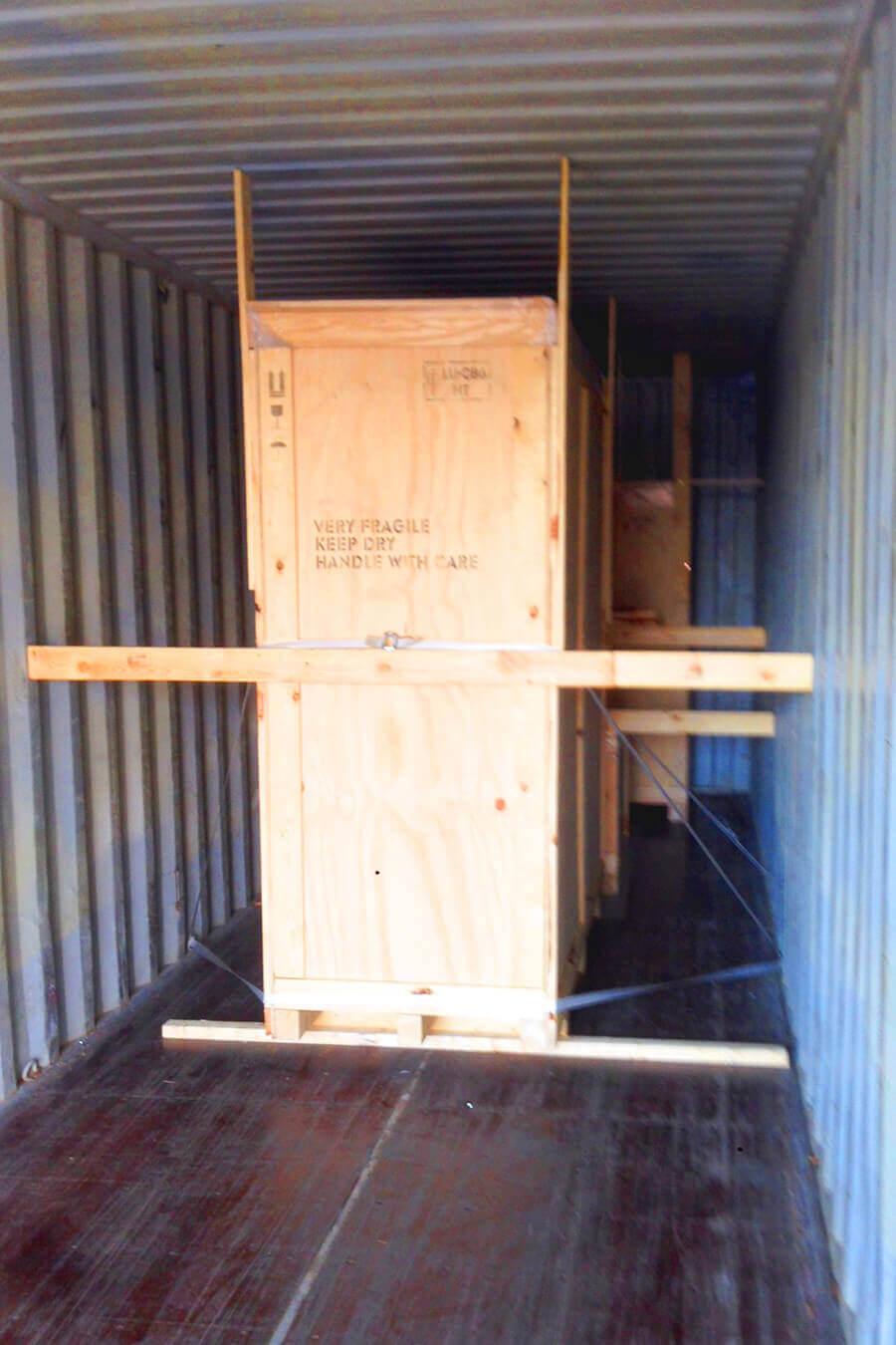 AllPack Services übernimmt die Ladungssicherung für Luxscan